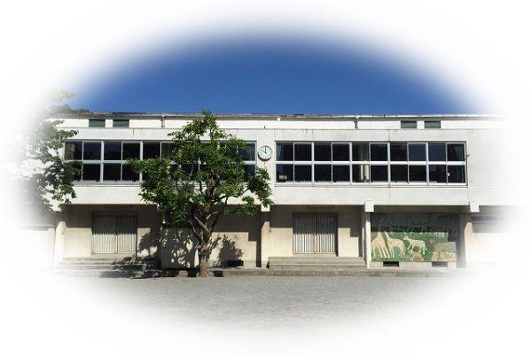 廃墟となった学校を見る夢