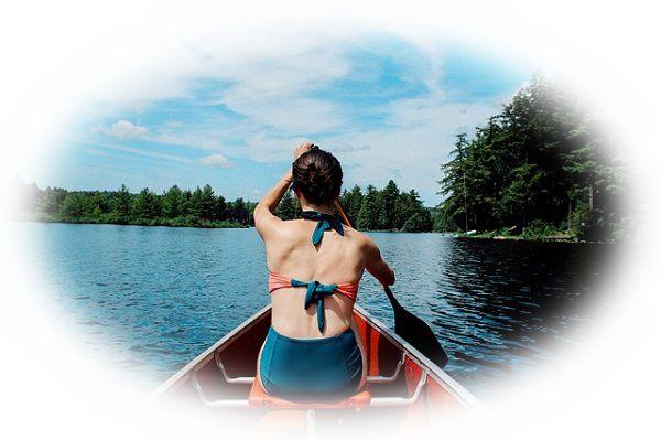 湖でボートを漕ぎだす夢(湖で誰かと一緒にボートを漕ぎだす夢)