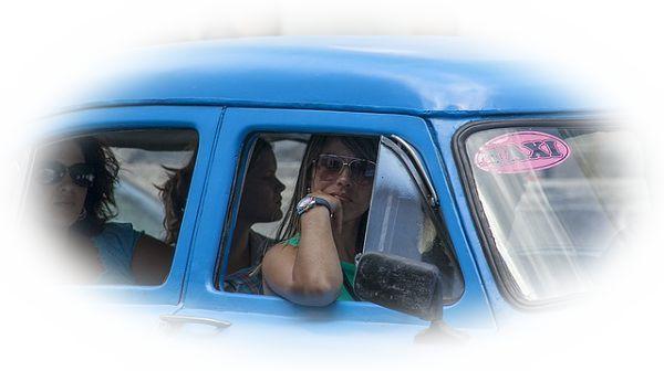 見知らぬ人とタクシーに乗る夢