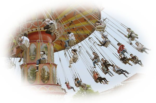 遊園地で色々な乗り物に乗る夢(遊園地で色々なアトラクションを楽しむ夢)