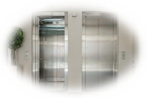 エレベーターが故障して階段を使う夢