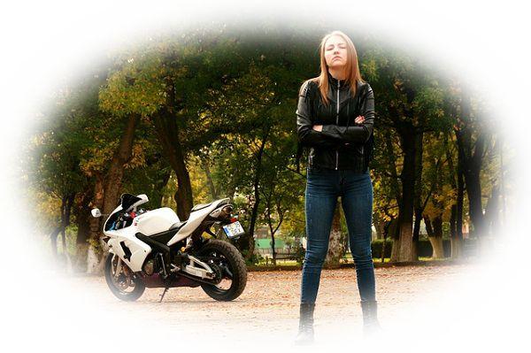 バイクが遅い夢(バイクが進まない夢、バイクがガス欠する夢)