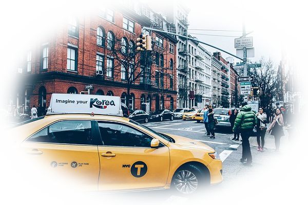 夢占いタクシーの夢の意味27選!ビジネスな協力者を表す?