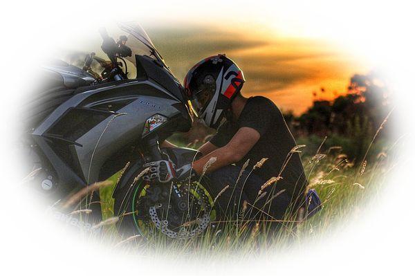バイクが壊れる夢(バイクをなくす夢、バイクでブレーキが利かない夢)