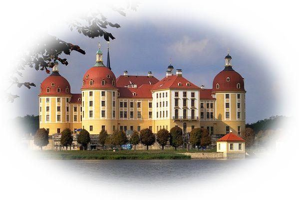 豪華で綺麗な城を見る夢
