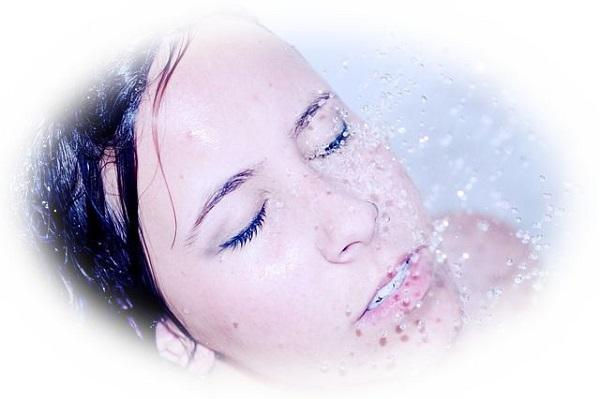 病人が顔を洗う夢