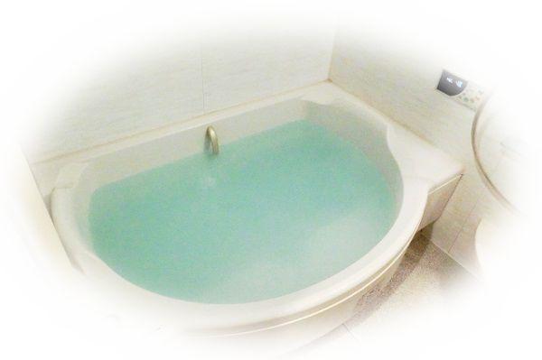老人と一緒にお風呂に入る夢(老人と一緒に温泉に入る夢、老人と一緒にお風呂に入ってのぼせてしまう夢)