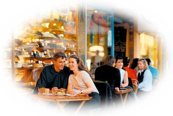 レストランに仲間や友人食事をする夢