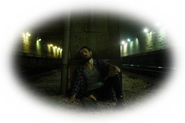 トンネルの中で誰かに会う夢