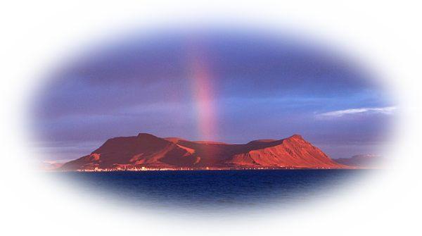 火山を遠くから眺めている夢
