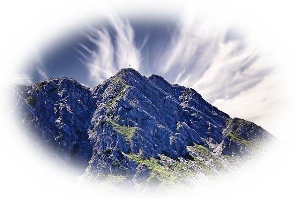 夢占い山の夢の意味25選!目標達成を暗示!でも努力は必要?