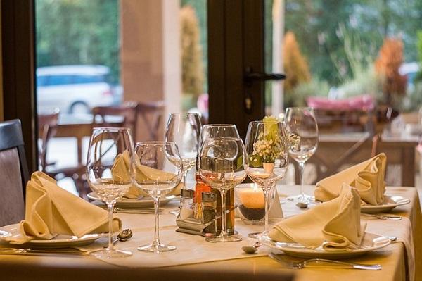 イタリアンレストランやフレンチレストランに入る夢
