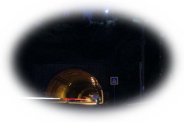 夢占いトンネルの夢の意味16選!花畑が先に見えるのは危険?