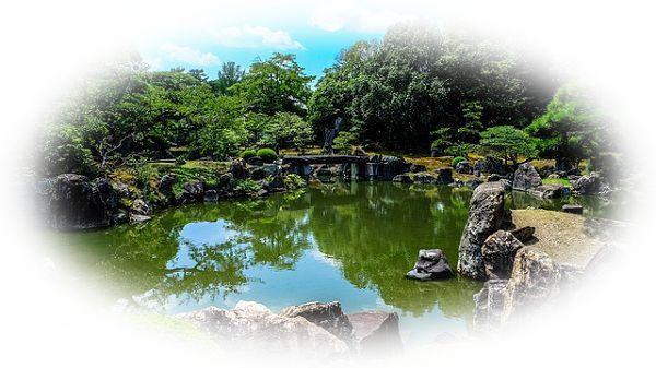 大きな庭石がある庭を見る夢(石やオブジェがある庭を見る夢)