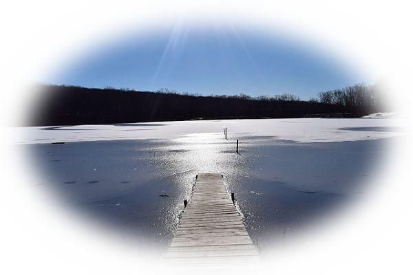 湖の氷が解ける夢