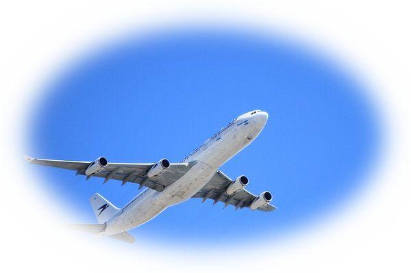 夢占い飛行機の夢の意味24選!焦りは禁物?見落としに注意!?