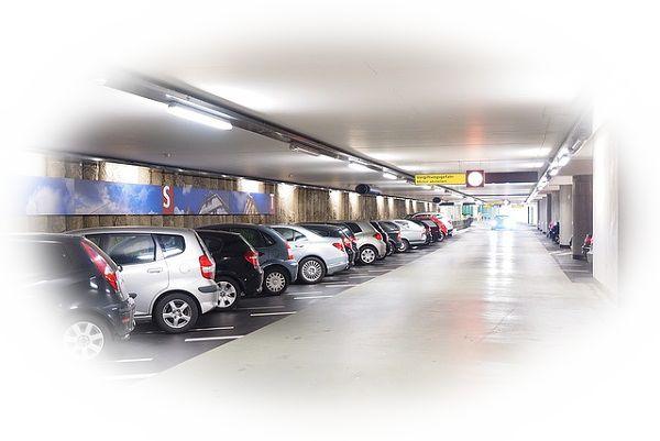 きっちりと綺麗に車が並んだ駐車場を見る夢