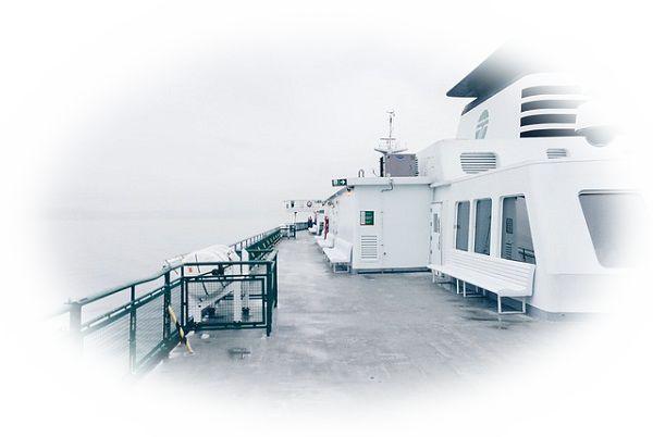 船のデッキにいる夢