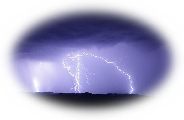 四方に雷が落ちる夢