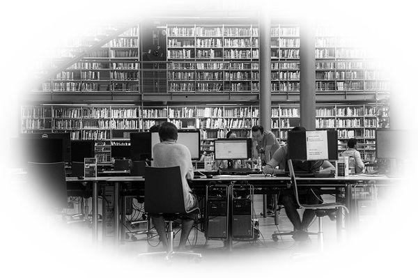 図書館で勉強している夢(図書館で誰かと一緒に勉強している夢)