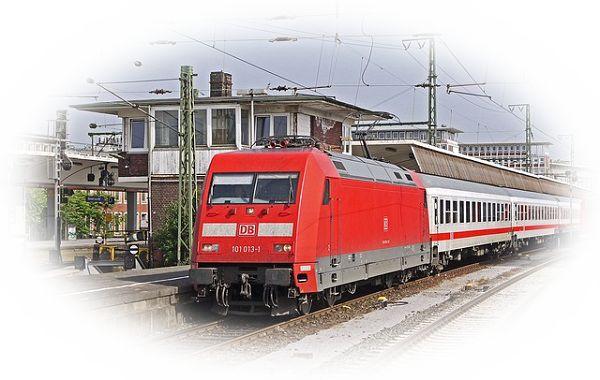 見たことのない電車に乗る夢