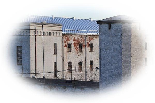 夢占い刑務所の夢の意味10選!束縛や強制をあらわす?