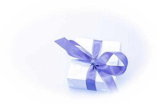 誕生日プレゼントを異性からもらう夢