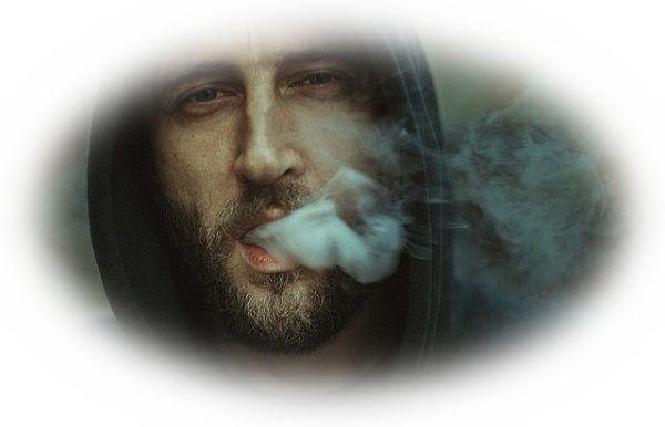 煙を吸い込む夢