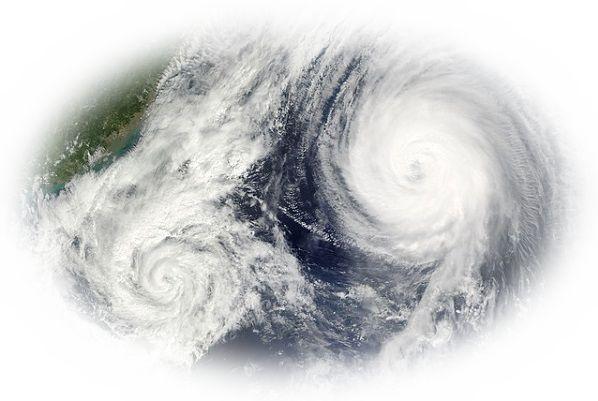 台風が進路を変える夢