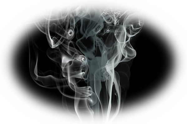 夢占い煙の夢の意味9選!早めの対処が必要?