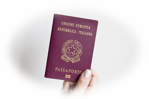 夢占いパスポートの夢の意味7選!アイデンティティを表す?