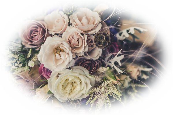 花がしおれた花束をもらう夢(花がしおれた・枯れた花束を異性や恋人からもらう夢)